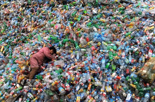 Trung Quốc cấm nhập khẩu rác và cơn đau đầu với ngành tái chế đầy lợi nhuận - Ảnh 3.