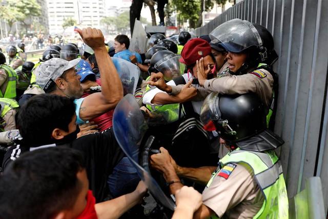 Cảnh tượng phổ biến ở Venezuela những ngày này