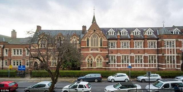 Ngôi trường hàng đầu nước Anh với học phí một năm lên tới 450 triệu VNĐ.