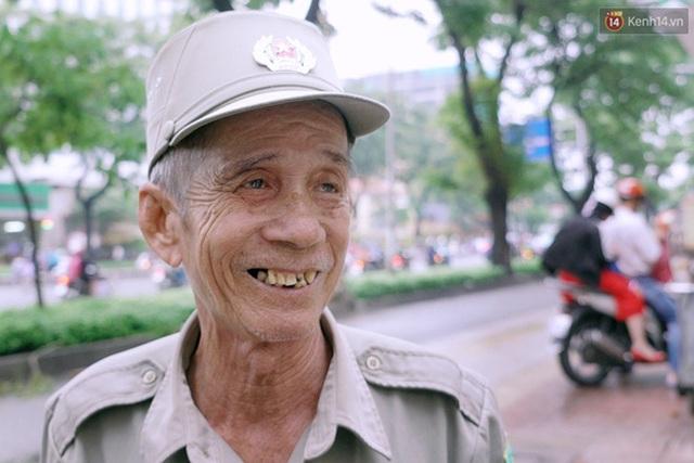 Bác Lũy với nụ cười luôn trên môi.