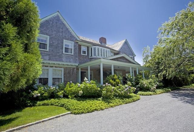Biệt thự tuyệt đẹp nổi tiếng nhất xứ Hamptons, Mỹ khiến ai cũng phải ngỡ ngàng bởi loạt nội thất trắng tinh tế bên trong cùng phong cảnh bên ngoài như trong chuyện cổ tích.