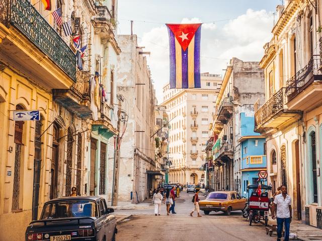 Dân thiếu gạo, dầu ăn... phải mua chợ đen đắt gấp 20 lần: Dấu hiệu cho một cuộc khủng hoảng mới ở Cuba? - Ảnh 2.