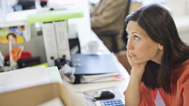 Thói quen ngồi ì một chỗ có thể kéo sức khỏe của bạn đi xuống nhanh chóng.