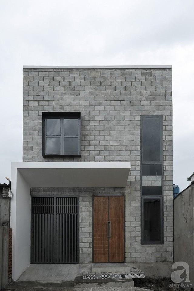 Mặt tiền ngôi nhà BD House rất cá tính.