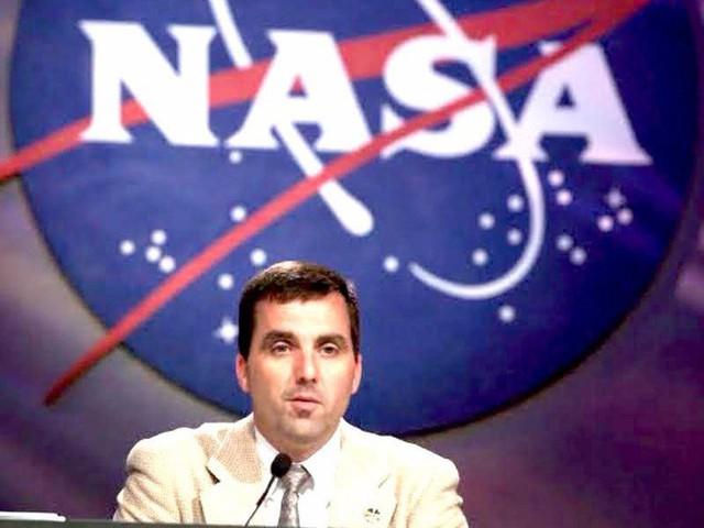 Paul Hill - từng làm giám đốc điều hành bay tại NASA, đã có kinh nghiệm dày dặn trong việc giữ bình tĩnh khi gặp phải những tình huống khó khăn