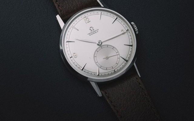 Lần đầu trong lịch sử, một chiếc đồng hồ Omega được bán với giá hơn 1 triệu USD - Ảnh 1.