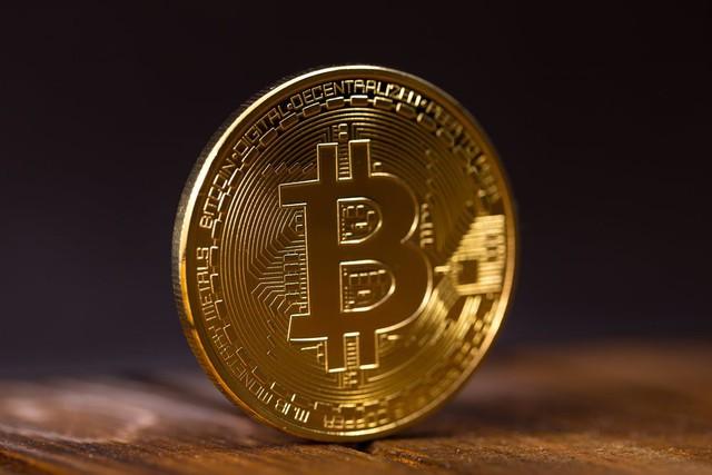 Bitcoin cán mốc 10.000 USD: Nguyên nhân và rủi ro nào đang chờ đợi phía trước? - Ảnh 3.