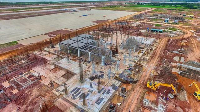 Sân bay Vân Đồn đang được xây dựng Ảnh: TRỌNG ĐỨC