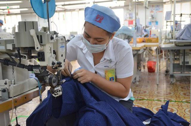 Trung Quốc bắt đầu dòm ngó tới hàng may mặc Việt Nam - Ảnh 1.