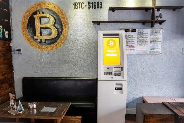 Xâm nhập thế giới bitcoin tại VN: Quay cuồng với những chiêu trò thật - ảo - Ảnh 1.