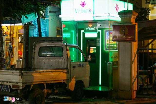 Những xó xỉnh rút tiền ở Hà Nội - Ảnh 2.
