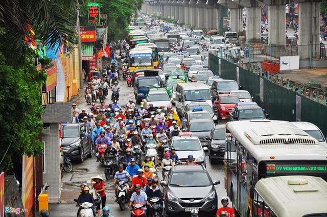 Vị đại sứ hiến kế 6 giải pháp chống tắc đường cho Hà Nội - Ảnh 2.