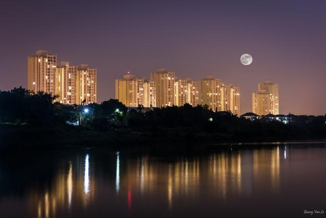 Chung cư Rừng Cọ (Ecopark) về đêm. Ảnh: Lê Văn Quang