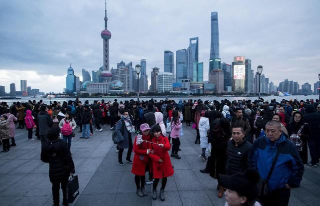 [A Tùng] Trung Quốc và cơn đau đầu dân số già hóa đúng lúc kinh tế cần cất cánh - Ảnh 1.