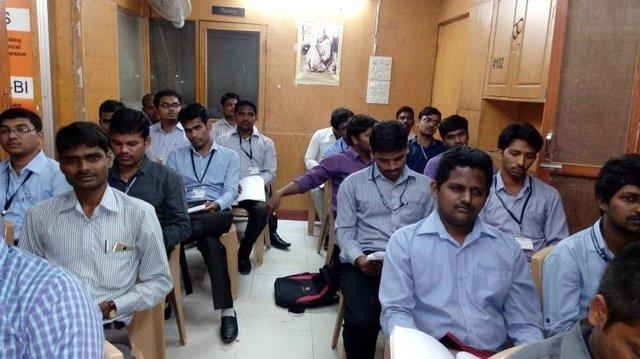 [A TÙNG] Đây là cách người Ấn Độ sản sinh ra đội ngũ nhân lực IT đông đảo nhất thế giới - Ảnh 2.