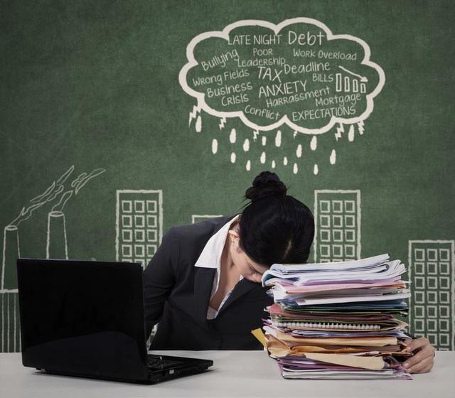 Hãy lên kế hoạch cụ thể cho công việc để bạn có thể hoàn thành chúng tốt và nhanh hơn. Bạn cần ghi nhớ rằng, não bộ cần phải được nghỉ ngơi và chúng ta nên ngủ đủ 8 tiếng 1 ngày.