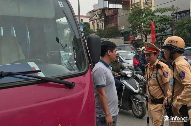 CSGT Hà Nội xử lý vi phạm hơn 1 tỷ đồng trong 3 ngày nghỉ lễ  - Ảnh 1.