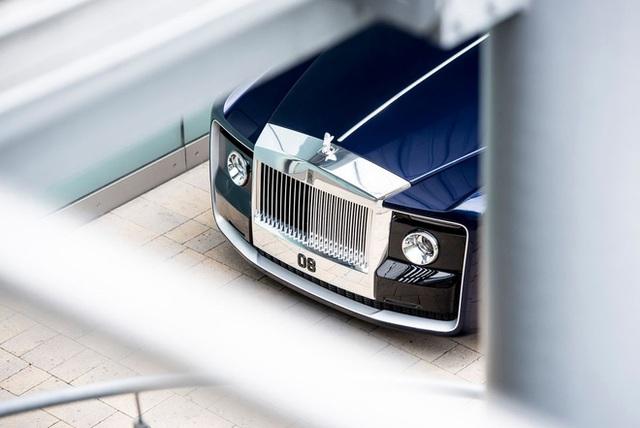 Chiếc xe Rolls-Royce Sweptail đắt giá nhất lịch sử nhân loại được làm cho một nhà sưu tầm bí ẩn có gì đặc biệt? - Ảnh 2.