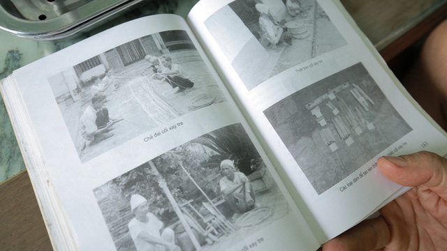 Những bức ảnh ghi lại cảnh đóng cối của người dân làng Đa Chất.