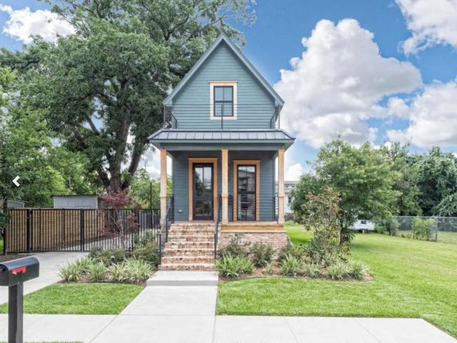 Căn nhà bỏ hoang chẳng ai muốn mua, cải tạo lại đẹp như biệt thự giá bán tăng gấp 34 lần - Ảnh 1.