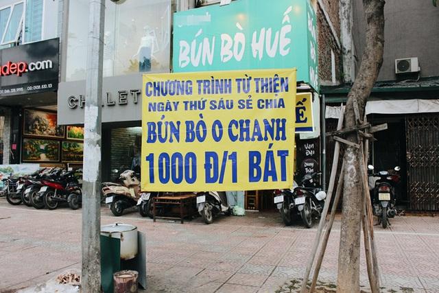 Cô chủ bán hàng nghìn tô bún bò Huế giá 1.000 đồng cho người lao động nghèo ở Hà Nội - Ảnh 1.