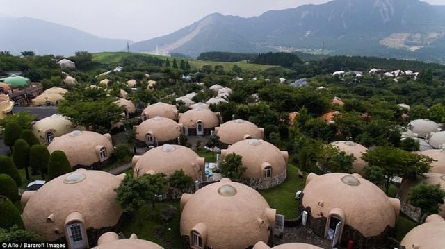 """Có một ngôi làng """"bong bóng"""" đẹp như cổ tích, đến thăm là không muốn về - Ảnh 3."""