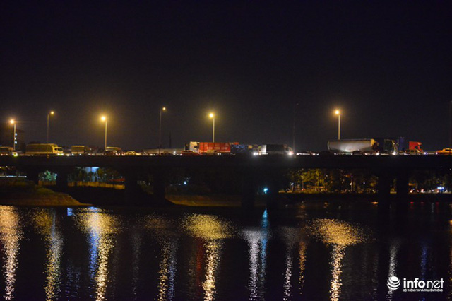 Hà Nội: Vạ vật đến nửa đêm vẫn không bắt nổi xe khách về quê nghỉ lễ 2/9 - Ảnh 2.
