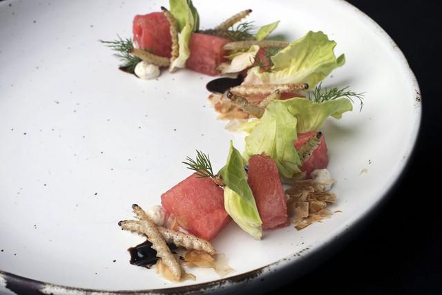 Đầu bếp Thái Lan biến côn trùng thành đồ ăn cao cấp - Ảnh 2.