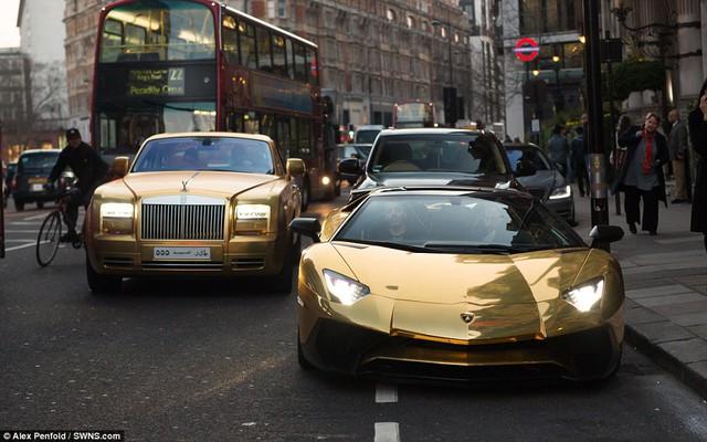 Gu chơi xe lạ của những người giàu nhất thế giới - Ảnh 2.