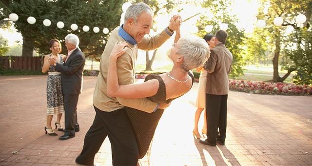 3 điều mọi người đang đi làm cần phải biết để không hối tiếc ở tuổi về hưu - Ảnh 2.