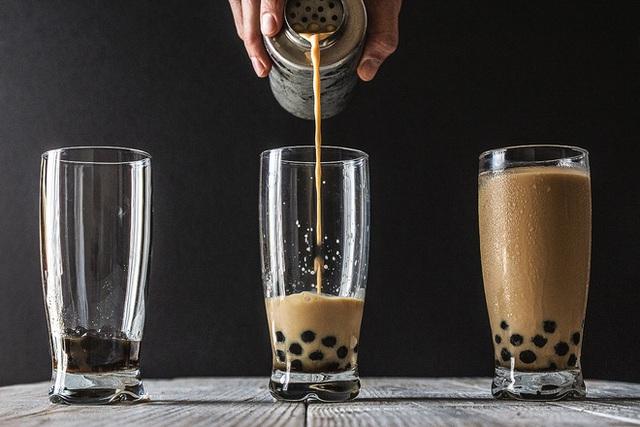 Blogger Mỹ viết về cơn sốt trà sữa ở Việt Nam - Ảnh 1.