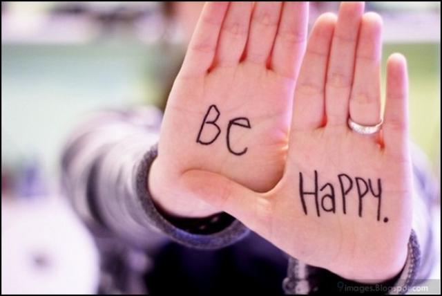 Làm thế nào tìm được hạnh phúc trong một xã hội đầy ắp những người hoàn hảo? - Ảnh 2.