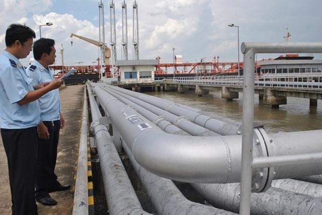 Gần 100% xăng dầu nhập khẩu Hàn Quốc: Nỗi lo độc quyền - Ảnh 1.