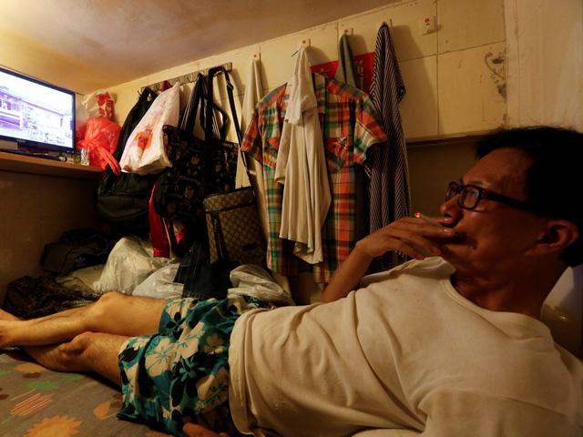 Ông Wong trả 226$ (hơn 5 triệu đồng) cho một căn phòng 1 người như thế này (Mặc dù phải thừa nhận rằng số tiền đó sẽ chỉ đủ để thuê một tủ quần áo ở các thành phố lớn như New York City và San Francisco).
