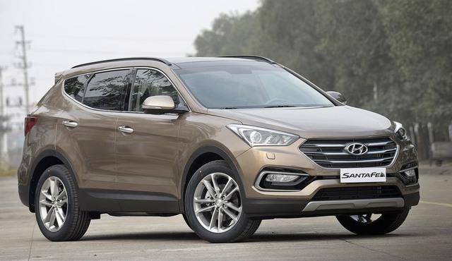 Huyndai SantaFe giảm 230 triệu, xe hơi SUV 7 chỗ dìm giá xuống đáy - Ảnh 1.