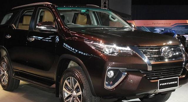 Huyndai SantaFe giảm 230 triệu, xe hơi SUV 7 chỗ dìm giá xuống đáy - Ảnh 2.