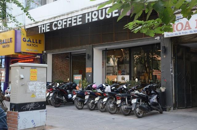 Đồ uống, phục vụ đều chất lượng nhưng chính đội ngũ giữ xe ở The Coffee House Bà Triệu đã khiến khách hàng thất vọng - Ảnh 1.