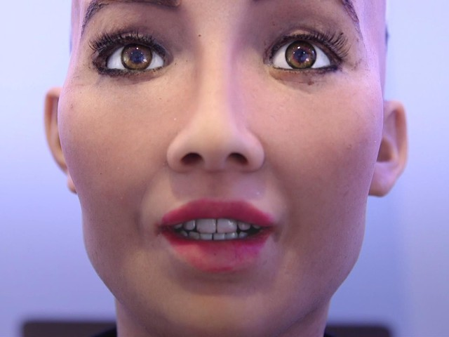 Công dân robot đầu tiên có quốc tịch Ả Rập