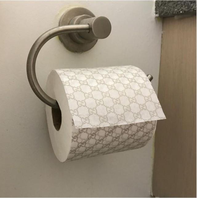 Giấy vệ sinh Gucci