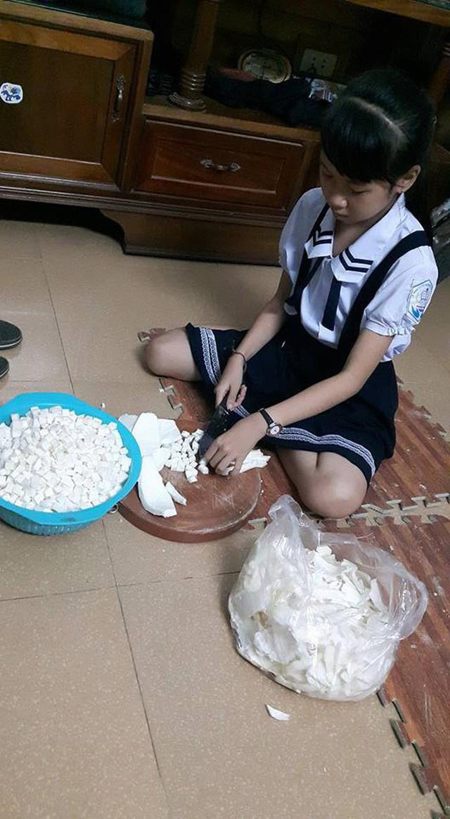 Cô bé Bống bán chè bưởi Tuyên Quang: Tự lập tài chính từ lớp 2, 10 tuổi đã sắm iPhone, laptop! - Ảnh 2.