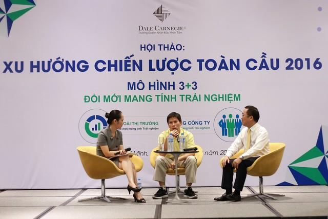 """Ông Nguyễn Đức Tài - Chủ tịch Thế giới Di Động chia sẻ tại Hội thảo """"Xu hướng chiến lược toàn cầu, mô hình mang tính trải nghiệm 3 + 3"""" (2016)"""