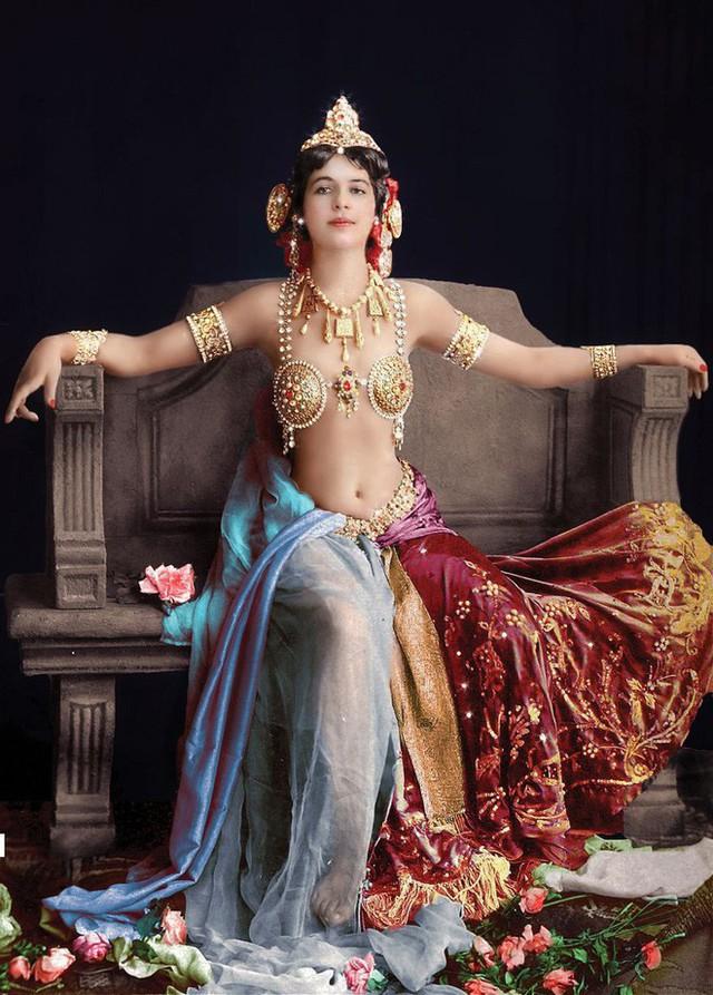 photo-1-1513397878876 Nữ điệp viên Mata Hari huyền thoại với vũ điệu thoát y khiến hơn 50.000 lính Pháp phải bỏ mạng trong thế chiến