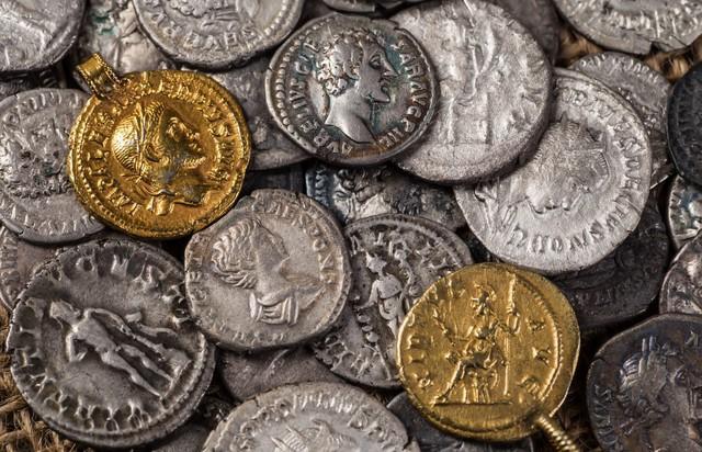 Niềm tin nào khiến Bitcoin chạm mốc 20.000 USD trong năm 2017? - Ảnh 1.