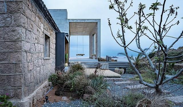Bê tông đã được lựa chọn làm vật liệu chứng để giúp ngôi nhà chống xói mòn do khí hậu biển khắc nghiệt.