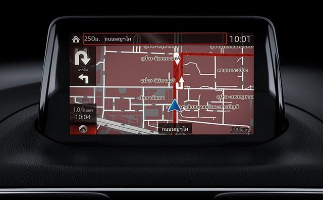 ... hệ thống thông tin giải trí MZD Connect đi kèm màn hình cảm ứng 7 inch trên bảng táp-lô và núm xoay ở cụm điều khiển trung tâm.