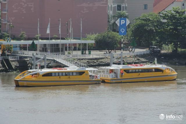 Những hình ảnh chuẩn bị cuối cùng trước khi tuyến buýt sông chính thức vận hành - Ảnh 12.