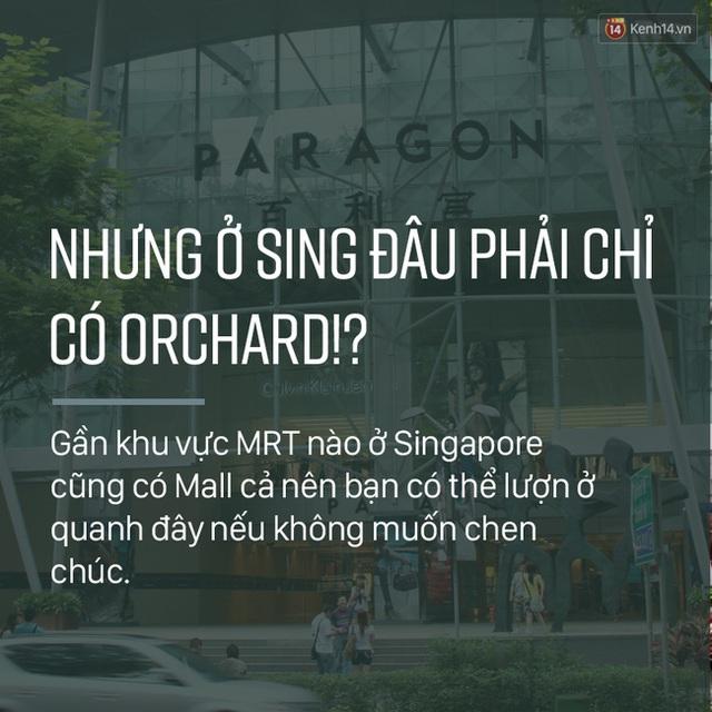 Tuy nhiên, đâu chỉ có Orchard mới có những thương hiệu nổi tiếng, mà bạn cũng nên dạo vài vòng tại các trung tâm thương mại quanh khu vực MRT thử xem, cũng có không ít thương hiệu hấp dẫn mà còn không phải chen chúc quá đông.