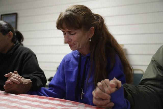 Góc khuất ở Thung lũng Silicon, nơi những người có việc làm ổn định vẫn phải sống như vô gia cư - Ảnh 13.
