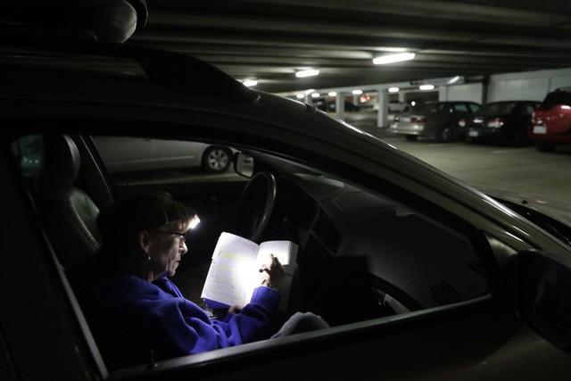 Góc khuất ở Thung lũng Silicon, nơi những người có việc làm ổn định vẫn phải sống như vô gia cư - Ảnh 14.