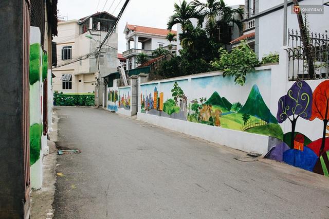 Đâu cần đến Quảng Nam mới có làng bích họa, ngay Hà Nội giờ cũng có con đường được vẽ đẹp mê ly - Ảnh 15.